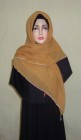 Hijab Kotak Mote Coklat Kunyit