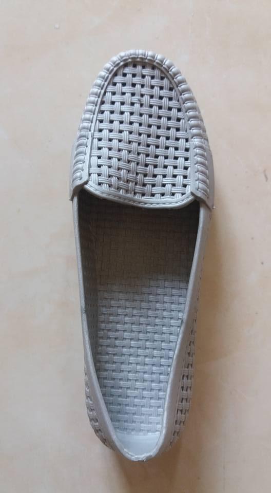 Sepatu wanita abu 4