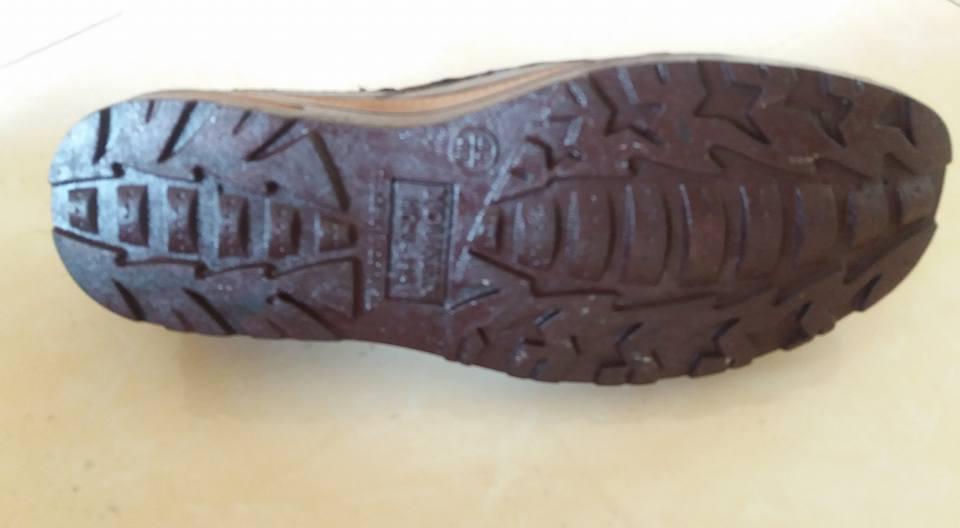 Sepatu youken 1